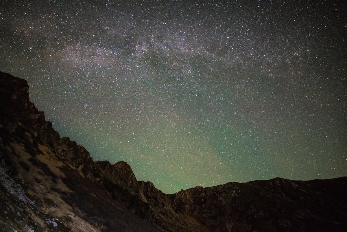 木曽駒ヶ岳の千畳敷カールで撮った天の川の写真 時期は10月であり千畳敷ホテル付近から撮影