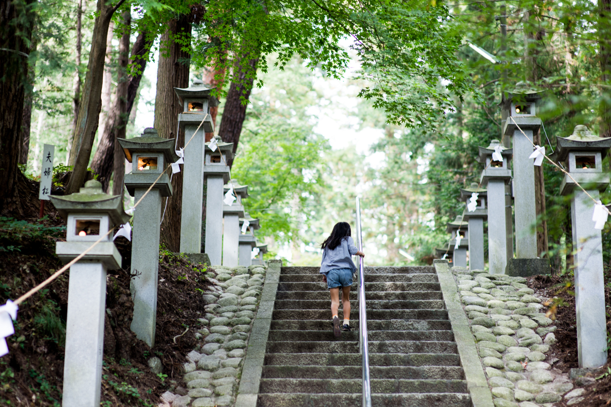 Ai AF Nikkor 85mm f/1.4D IFで撮った神社